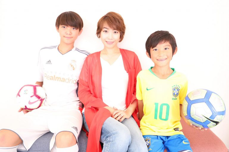 赤井枝里子さんと子どもたち