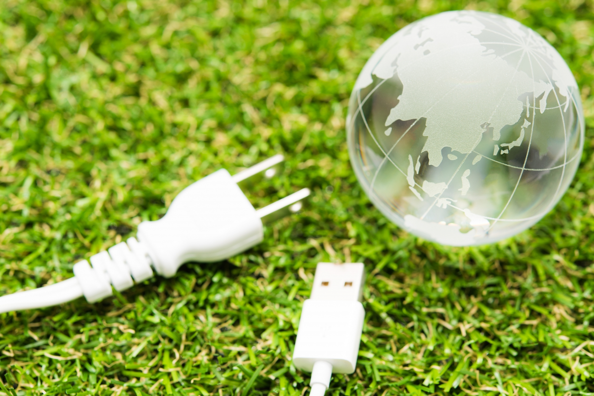 地球儀と電源