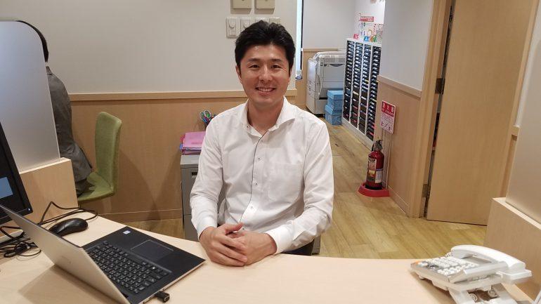 新小岩駅前店加藤店長