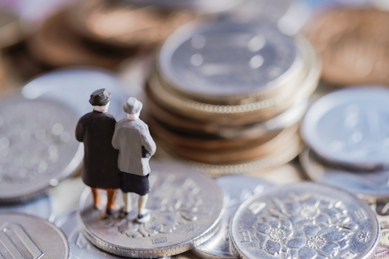 コインと老夫婦