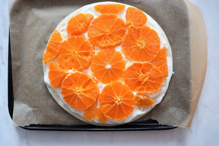 オレンジを乗せる