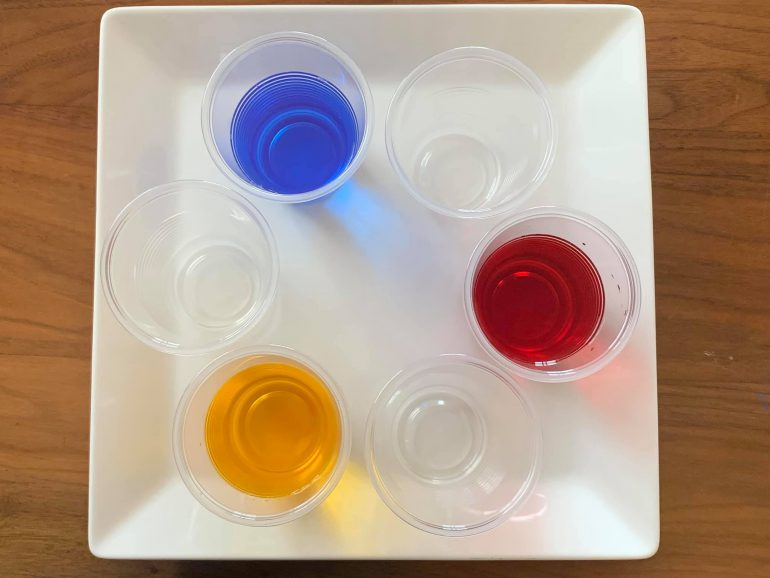 6つのカップ