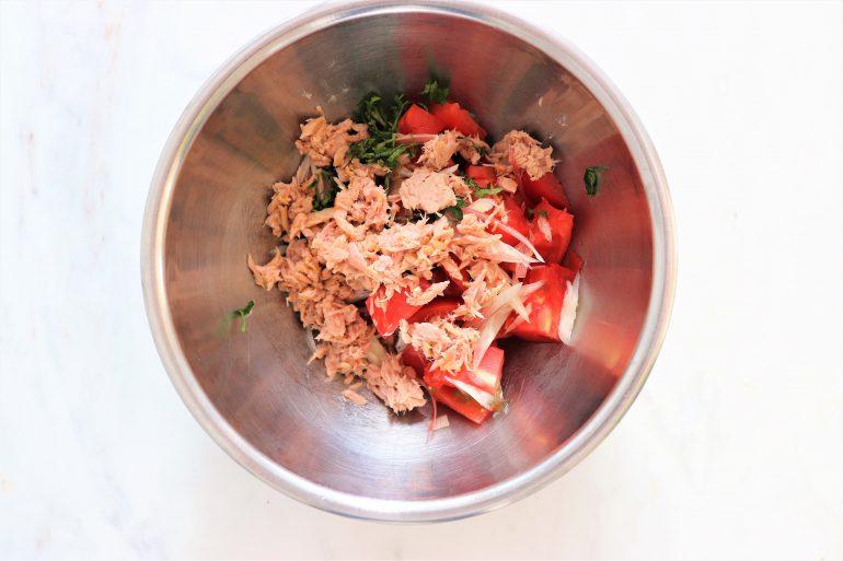 トマトと大葉、ツナ缶のサラダそうめん作り方