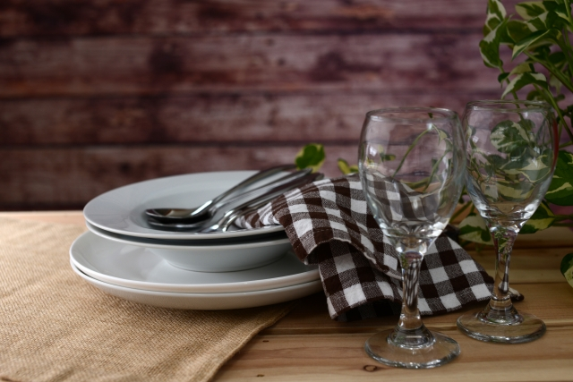 食器とテーブル