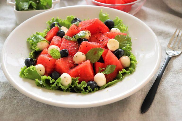 スイカの簡単サラダ